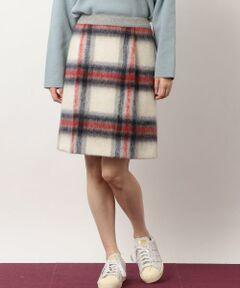 ふわふわとした毛足のシャギー素材が目を惹くスカートが入荷致しました!<br>アイキャッチになるビッグチェック柄とベーシックに着回せるライトグレーカラーでご用意。<br>タイツスタイルに最適な短め丈は、注目のオーバーサイズのニットやアウターともバランス良く着こなせます。<br>またあたたかく軽やかな着心地も嬉しいポイント♪<br><br>大人なカジュアルスタイルを楽しみたい方におすすめの一着です。<br><br>こちらは同シリーズでコート(品番:3625-199-1244)もございます。<br><br><font color=purple>店舗へお問い合わせの際は、全国のgreen label relaxing 各店舗まで下記の品名/品番をお申し付け下さい。<br>品名:CF シャギー タックSK 品番:3624-199-1393</font>