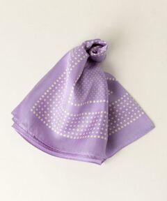 春らしいカラーを揃えたスカーフが登場。<br>大きさの違うドット柄のフレームデザインがクラシックな雰囲気です。<br>シンプルなコーディネートのワンポイントにおすすめ。<br><br><font color=purple>店舗へお問い合わせの際は、全国のgreen label relaxing 各店舗まで下記の品名/品番をお申し付け下さい。<br>品名:FM ドットSILK/SCF 品番:3636-699-0791</font>