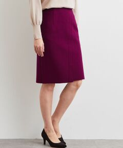 ラップデザイン&ハイウエストデザインポイントのスカートのご紹介です。<br>程よいタイトシルエットのひざ丈スカートは女性らしい着こなしを演出します。<br>使い勝手のよいブラックに加えて、スタイリングのアクセントになるグリーンとパープルカラーをご用意。<br><br>通勤シーンにはもちろん、デイリーにも活躍する着る回しスカートです。<br><br><font color=purple>店舗へお問い合わせの際は、全国のgreen label relaxing各店舗まで下記の品名/品番をお申し付け下さい。<br>品名:CS monable W/N ラップSK 品番:3524-599-1889</font>
