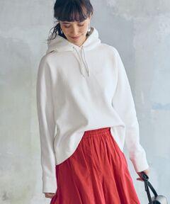 """<p><span style=""""color: rgb(0、 128、 128);""""><strong>◆大人な女性におすすめしたいスウェットシリーズの新作◆</strong></span><br><br>上品な表情が大人っぽいスウェットシリーズのご紹介。<br>明るめのニュアンスカラーがこれからの季節に最適な一着です。<br><br>ゆったりめのシルエットが今年らしいポイント♪<br>また内側は裏起毛仕様なので、寒い季節でもあたたかく着用いただけます。<br><br>プリントアイテムと合わせたフェミニンミックススタイルがおすすめです!<br><br>こちらは同シリーズでプルオーバー(品番:3612-225-1764)、ワンピース(品番:3626-225-2225)もございます。<br><br>※照明の関係により、実際よりもやや明るく見える場合がございます。またパソコンなどの環境により、若干製品と画像のカラーが異なる場合もございます。予めご了承ください。<br><br> 店舗へお問い合わせの際は、全国のgreen label relaxing各店舗まで下記の品名/品番をお申し付け下さい。 品名:NFC ウラケ フード PO 品番:3612-225-1766</p>"""