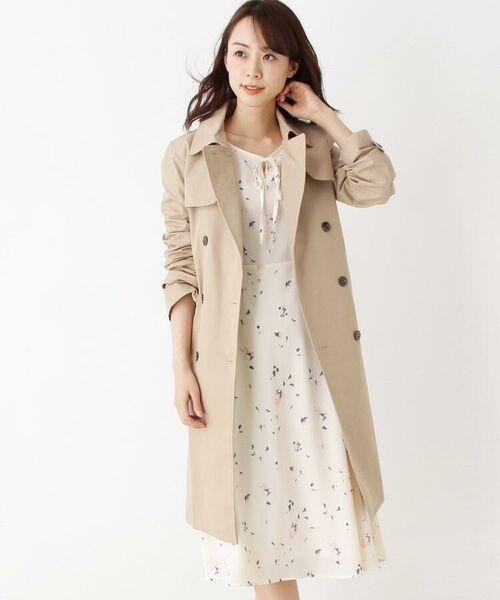 春アウターとして一着はほしいベーシックなトレンチコートです。撥水・花粉ガード・抗菌防臭と機能性も◎