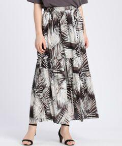 【STORY5月号掲載】<br/><br/>リーフ柄が新鮮なフレアスカート。シックなカラーで上品な雰囲気のプリントスカートは、大人の女性のためのアイテム。コーディネートに取り入れやすく、トップス次第で様々なスタイリングを楽しめます。裾に向かってふわっと広がるシルエットで、体のラインを拾わず、ウエストゴム仕様なのも嬉しいポイント。<br/><br/>・裏地あり<br/>・ウエスト部分ゴム仕様<br/>・水洗い可<br/><br/>《Viscotecs/ビスコテックス》<br/>1600万色を用いた鮮明な表現力と、ポリエステル・ナイロン・綿・ウール・シルクなど様々な素材へのプリントを可能にしたインクジェット技術により、アイテムを選ばないプリント素材を提案するセーレン(株)の新技術です。