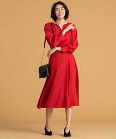 """自由区マガジン""""ANOTHER DOOR(アナザードア)"""" P75、79掲載<br /><br />■商品説明<br />タックでボリューム感を出したフレアースカートです。フロントが巻き仕様になっていて、歩くと裾が揺れる軽やかさがフェミニンなスカートです。同素材のブラウスとセットアップはもちろん、ボリュームのあるニットと合わせても今年らしいスタイリングになります。<br /><br />■素材<br />1/48ポリエステルウールの糸を縦糸、横糸共使用しており日本で生機生産から仕上げを行っている素材です。撚糸回数を従来より多くする事によって清涼感とドレープ性がでているのが特徴。<br /><br />▼同素材シリーズ<br />ブラウス(品番:BLWMYW0420)<br />パンツ(品番:PRWMYW0422)<br /><br /><br /><br />"""