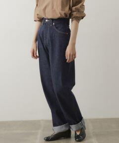 """「MARILYN」というネーミングの通り、マリリンモンローが愛用していたとされるLevi'sの701をイメージして作られた女性らしいヒップラインが魅力のアイテム。太ももはゆったりとしたサイズ感ながらも、腰まわりはすっきりときれいに着用いただけます。軽い素材で仕立てられているので穿きやすい一着です。<br><br><strong style=""""font-weight:bold;"""">ANATOMICA(アナトミカ)</strong><br>フランス人ディレクター・ピエールフルニエと日本人デザイナー・寺本欣児が手掛ける、パリに本店を構えるコンセプトショップ。「多種多様な人体にフィットする」 ことに徹底的にこだわるアイテムを発信。長く愛され続けるオーセンティックなアイテムを提供し続ける数少ないブランド。"""