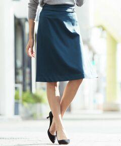通勤に履きやすいベーシックな膝丈のスカート