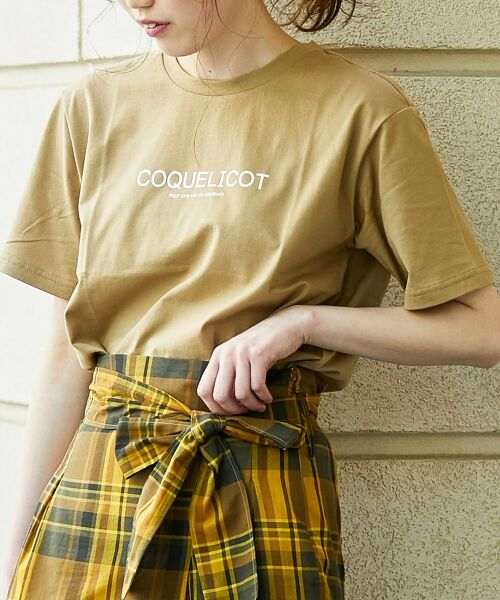 le.coeur blanc / ルクールブラン Tシャツ | ロゴプリントクルーTシャツ(キャメル)