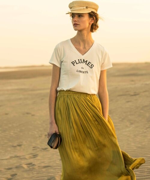 le.coeur blanc / ルクールブラン Tシャツ | ロゴプリントVネックTシャツ(オフ)