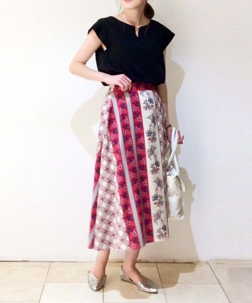 le.coeur blanc / ルクールブラン ミニ・ひざ丈スカート | フラワーパネルプリントフレアスカート(ピンク柄)