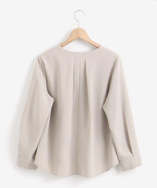 le.coeur blanc / ルクールブラン シャツ・ブラウス | フロントデザインVネックブラウス | 詳細1