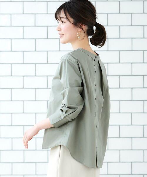 le.coeur blanc / ルクールブラン シャツ・ブラウス | タイプライターバックボタンシャツ(カーキグリーン)