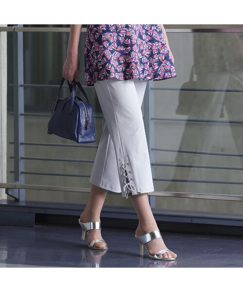 Liliane Burty / リリアンビューティ ショート・ハーフ・半端丈パンツ   裾レースアップ クロップドパンツ(グレー)