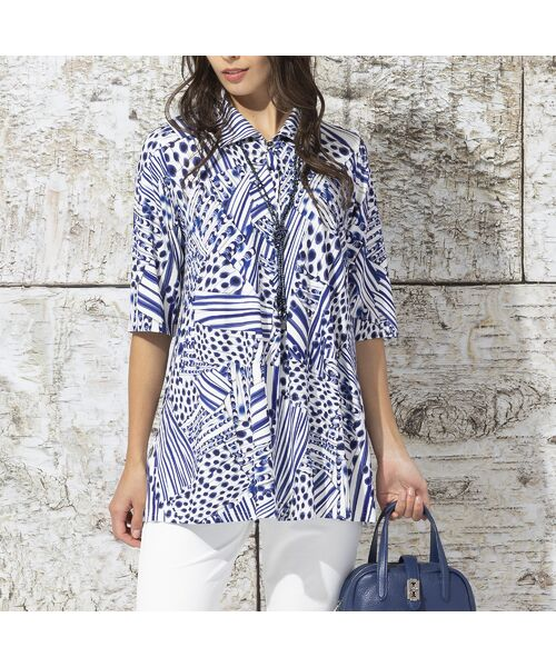 Liliane Burty / リリアンビューティ カットソー | フランス製 ライン幾何プリント 衿付きTシャツ(ブルー)