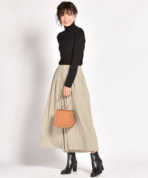 ON/OFFできれいに着回せるスカートのような上品ガウチョパンツ。