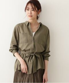 トレンドのシアーな素材を使用した今っぽいややオーバーサイズなシャツブラウス。しなやかなタッチで透けすぎず、程よいシアー感がどなたにでもトライしやすい1枚です。ダブルポケットのミリタリーライクなデザインながら、きれいめな素材感でオンにもオフにも着回し可能。同素材のプリーツスカートと合わせたセットアップコーデなら、ぐっと今年らしい印象に!<br/><br/>■シリーズスカート[品番:0171120371]<br/><br/><br/><b>※モデルの着用画像の場合、光の当たり具合により、実際の色味と異なって見えることがございます。色味は、商品単体の画像をご参照ください。</b></font><br/><BR>透け感/ややあり|裏地/なし|光沢/なし|生地の厚さ/薄手|伸縮性/なし|シルエット/スタンダード