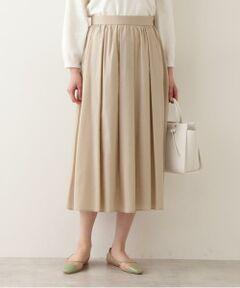 シャンブレーカラーが特徴的なタック&ギャザースカート。ふんわりと軽いタッチのビエラ素材は、程よい透け感が今年らしい印象です。シワになりづらいのもデイリー使いには嬉しいポイント。<br/><br/><b>※モデルの着用画像の場合、光の当たり具合により、実際の色味と異なって見えることがございます。色味は、商品単体の画像をご参照ください。</b></font><br/><BR>透け感/なし|裏地/あり|光沢/なし|生地の厚さ/普通|伸縮性/なし|シルエット/スタンダード