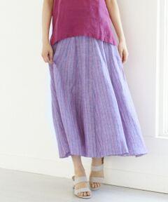 わりとしたシルエットが夏らしい。雰囲気のあるロングスカート■What`s LIBECO??■1858年から続く、ベルギー産の「LIBECO社」のピュアリネン。リネン特有のゴワつきがなく、非常にさっぱりとした清潔感のある快適な素材感が魅力のシリーズです。織り上げた後、10種類以上の特殊な加工によりLIBECO独自のソフトな風合いが特徴で、着用すればするほど、肌に馴染んでくれる素材となっています。さらにご家庭で手洗いもでき、洗いざらしのナチュラルな風合いをいつまでも楽しんでいただけます。一度着たら手放せない、上質な高級インポート素材です。無地の色物は製品染めにしており、それ特有の風合いを楽しんで頂けます。■デザイン■ボリュームのあるロングスカートです。三角マチで切り替えにより、ふんわりとしたシルエットに仕上がっています。ストライプ柄は、生地にのせると見え方がランダムにみえ、タテに切り替えるギャザースカートよりも変化が生まれ、スタイリングに雰囲気を出してくれます。※ 画像はサンプルを使用している為、実際にお届けする商品と仕様やサイズが異なる場合がございます。