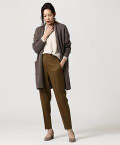 ふんわりとした素材感!ライトに羽織れる、カジュアルスタイルにぴったりのニットアウター<br /><br />■デザイン<br />素材の特性を生かしたすっきりとした襟のデザインのロングカーディガンです。身幅をたっぷりとり、肩を落としたデザインで、リラックスしてご着用いただけます。裾、袖口の太リブがアクセントになり、カジュアルな印象になります。ロング丈なのでライトなアウターとしての使用もおすすめです。<br /><br />■素材<br />ウールカシミヤのブレンド糸を起毛加工したファンシーヤーンで、思わず触りたくなるふわふわな表情に微配のカラー杢による深みのある色合いが特徴です。軽く上質な肌触りで大人のカジュアルスタイリングにぴったりの羽織アイテムです。<br /><br />※画像はサンプルを使用している為、実際にお届けする商品と仕様やサイズが異なる場合がございます。