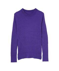 着こなしの幅を広げるワイドリブニット。ボディラインをすっきり見せてくれる心地いいフィット感が、女性らしいシルエットを引き立てます。引き続き人気があるワイドリブ編みと今年らしいカラー揃いがポイントに。ボトムと色をリンクしてワントーンコーデのように着たり、デニムカジュアルやジャンスカなどの重ね着まで相性が良く、抜群の着回し力で楽しめます。