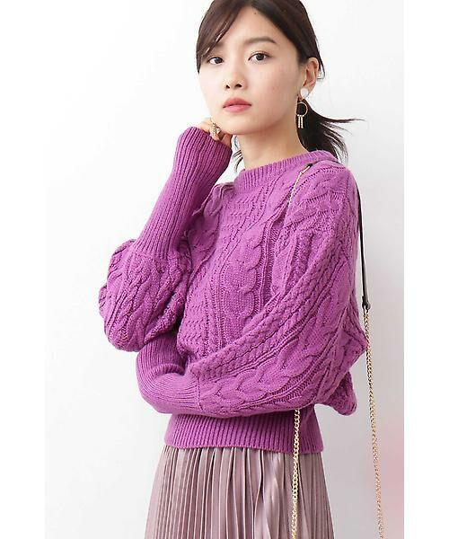 ほっこり感のあるケーブル編みが可愛らしい冬ニットをご紹介!