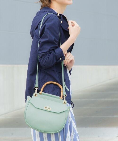 WINTER SALEでお得に♪春カラー!コロンとした丸みシルエットが可愛らしい2WAYショルダーバッグ。