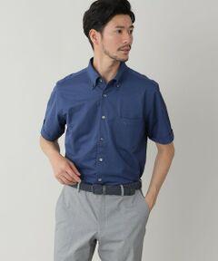2021年Spring&Summer item Available (カットソー)<br /><br />ドレスシャツのように着られるシャツ型ポロシャツは登場。ビジネスカジュアルにおすすめの一枚。<br /><br />シャツ製造の高い技術で評価されるカットソー工場による一枚。鹿の子ポロ素材を用いて、通常の布帛(ふはく)シャツと変わらないハイクオリティーに仕上げた、前立てフルオープン仕様のボタンダウンシャツ。<br />ポロシャツに使用される鹿の子素材ながらフルオープンのシャツ仕様にすることで、スポーティになりすぎず、クールビズに対応した夏のオフィスに最適な一枚にデザイン。シンプルなものほど細部で違いの出るものですが、襟や袖のラインを筆頭にディテールの仕上がりは布帛(ふはく)シャツと同等です。<br />特徴は、シャツタイプながらカノコカットソー素材を採用することで可能にした、自然に身に沿う快適な着心地と細身の美しいシルエット。伸縮性によりストレスフリーな着心地のカットソー素材だからこその仕立てです。<br />襟はボタンダウンデザイン。ジャケットのインナーに着ていただくと、襟のロールが綺麗に映えるようパターンメイクいたしました。<br />ナチュラルに身に沿うこちらのシャツは、インナーの影響を受けやすい裏地などを廃した薄手のアンコンジャケットやイージージャケット(J1E07570)と合わせてご着用いただきたいアイテムです。<br /><br /><br /><素材><br />一見、シャンブレーのシャツ素材にも見える、超ハイゲージのカノコカットソー生地。<br />軽量、ドライタッチが大きな特徴です。肌離れが良く汗をかく夏場でもすっきり着用できるタイプ。見た目のスポーティーな印象は抑制しながら鹿の子生地の軽快で爽やかな着用感はそのままに。<br />コットン×ポリエステルの交編は、シャンブレーの生地のような立体的な表情になります。<br /><br />モデル(下部ディテール画像):H177 B89 W75 H90 着用サイズ:L