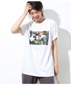 <b>edenworksとコラボレーションしたフラワープリントTシャツが登場!</b></br></br>「エデンワークス(edenworks)」がディレクションする花を写真家熊谷直子さんによって撮り下ろした写真をプリントTシャツに。花を買うように服を買ってもらいたいというコンセプトからスタートしたコラボ企画。誰でも気軽に着ていただけるようにTシャツを作りました。ROPE50周年を記念したボックスロゴタイプと、抽象画のような写真を大胆にプリントしたデザインを展開。<br>サイズはジャストで着られるものとチュニック感覚でゆったり着る2タイプを取り揃えました。パンツやスカートに幅広く合わせられるTシャツは、夏のコーデにプラスして華やかなアクセントにおすすめ。<br><br>※植物はROPEにて撮影しております。<br><br>ROPE'の商品は、ROPE'実店舗のみの取り扱いになります。<br>また、ROPE' mademoiselle の商品は、ROPE' mademoiselle実店舗のみの取り扱いになります。</br></br>洗濯機(極弱)・漂白、タンブル乾燥、ドライクリーニング禁止