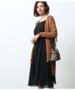 <b>軽やかなキャミワンピースでカジュアルスタイルに活躍。</b></br></br>シアーな楊柳シフォンが魅力。ふんわりと広がるデザインが女性らしいキャミソールワンピースです。<br>夏には1枚でドレッシーに着こなすのも◎インナーにノースリーブや半袖カットソーなどすっきりとしたトップスを合わせてレイヤードを楽しむのもおすすめです。<br>カーディガンを羽織って上品な秋のスタイルにも使えます。<br>幅広いコーディネートに着こなせる、活躍間違いなしのアイテムです。<br><br>ROPE'の商品は、ROPE'実店舗のみの取り扱いになります。<br>また、ROPE' mademoiselle の商品は、ROPE' mademoiselle実店舗のみの取り扱いになります。</br></br>手洗い・漂白、タンブル乾燥禁止