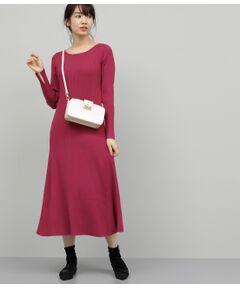 <b>ロングシーズンで着られる、フレアシルエットが華やかなニットワンピース。</b></br></br>リブ編みが今年らしいニットワンピース。秋から春先まで着られる素材感で長く愛用できるのが嬉しい1枚です。ストレッチ性に優れ、上半身は程よくフィットする着心地の良さがポイント。スカート部分は裾にかけてフレアに広がるシルエットで女性らしさをプラスしました。シンプルながらも1枚で様になる万能なワンピースです。ジャケットやコートとも相性良く着こなせます。<br><br>ROPE'の商品は、ROPE'実店舗のみの取り扱いになります。<br>また、ROPE' mademoiselle の商品は、ROPE' mademoiselle実店舗のみの取り扱いになります。</br></br>手洗い・漂白、タンブル乾燥禁止