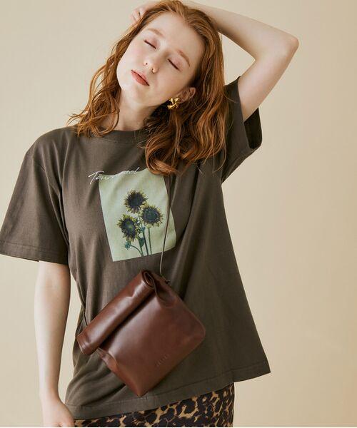 ROPE' / ロペ カットソー   【VTA for MADEMOISELLE】フラワーフォトショートスリーブ Tシャツ(チャコール(06))