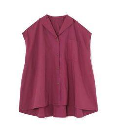 開襟にフレンチスリーブがレトロな雰囲気のあるブラウス。ハリ感のある素材で、裾にかけて出したボリュームがこなれ感ある一枚です。着丈が少し長めなので、ニットパンツ等ワイドパンツと合わせてルーズ感をプラスしたコーディネートがおススメです。