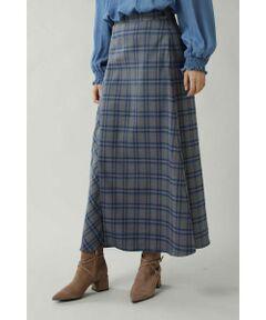 一気に秋のムードにシフトできるチェックスカート<br/>・アソート柄展開のチェックプリント<br/>・スタイリングしやすいナローシルエット<br/><br/><br/>【スタッフレビュー】<br/>今年の秋冬トレンドのチェック柄のロングスカート。 今年らしいナローシルエットで、すっきりと着られる1枚です。 主張をおさえた落ち着いたチェック柄なので大人っぽく着こなせるのもポイント。コーディネートのポイントになるチェック柄のスカートはおすすめのアイテムです。 <br/>