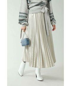 軽さが出るサテンプリーツスカート<br/>・ツヤ感のあるサテン生地を使用<br/>・トレンドのプリーツデザイン<br/>・着こなしのアクセントになるカラー展開<br/><br/><br/>【スタッフレビュー】<br/>ふんわりと揺れるプリーツ加工で女性らしい印象をメイクするスカート。薄手の生地で動きのある一枚です。ニットやアウターなど重厚感あるアイテムに軽やかさを出してくれ、これからの季節にバランスをとってくれます。<br/><br/><br/>【取扱注意事項】<br/>撮影はサンプル商品で行っているため、仕様とデザインが異なる場合がございます。<br/>こちらの商品はプリーツロングスカート(6000134016)と同一商品です