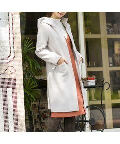 <font color='#e73656'><b>軽やかな着心地で手軽に羽織れるフード付きジップアップコート</b></font><br>【 Made In Japan Fabric 】<br><br><b>[ Design & Styling ]</b><br>国内のウールの産地、「尾州」で作られた素材を使用したロング丈のコート。<br>Made In Japan Fabricならではのソフトな風合いが特徴。<br>シンプルなデザインのフード付きコートは冬のスタイリングを華やかにするきれいなカラー展開が魅力。<br>すっきりとした上品なデザインはカジュアルな印象のフード付きコートを上品に見せてくれるデザインに。<br>腰の位置を高く見せてくれるように計算されたポケット位置がキュートなポイントに。<br><br><br><b>[ Staff Comments ]</b><br>シンプルで合わせやすいいデザインなのでカジュアルスタイルからキレイめスタイルまで幅広く合わせられるアイテムです。<br><br><br><b>[ About Item ]</b><br>生地感: 厚地<br>伸縮性: なし<br>透け感: なし<br>裏 地: 総裏<br>袖 丈: 長袖<br>洗 濯: ドライクリーニング<br>※末永くご愛用いただくため、付属の洗濯表示・アテンションタグをよくご覧いただきますようお願いします。<br>※素材の特性上、ピリング(毛玉)が生じますのでご注意下さい。<br>※デリケートな素材を使用しておりますのでお取扱いにご注意下さい。<br><br><font color='#e73656'><b><br>Rose Tiara Brand Concept</b></font><br>甘さが程よく香る上質感と<br>フェミニンなやさしさが漂うシルエット<br>まとうだけで大人の透明感が光る<br>甘くなりすぎないキュートなワードローブ<br><br><br>素材選びからデザイン、パターンまで一貫して行い、美しいシルエットを追求<br>36・38・40号と42・46・50号ではデザインは変えずタックの向きやギャザー分量、フリル位置などサイズに合わせて調整することで美しいシルエットと着心地の良い服を提案します<br>そのため商品画像とは若干異なる場合がございますのでご了承ください<br><br><br>*撮影環境により光の当たり具合で色味が違って見える場合があります。<br>*商品画像はサンプルのため、色味やサイズ、プリントの位置、仕様などに変更がある場合があります。<br>*取扱いの注意については取扱い表示をご確認の上、着用をお願いします。<BR>
