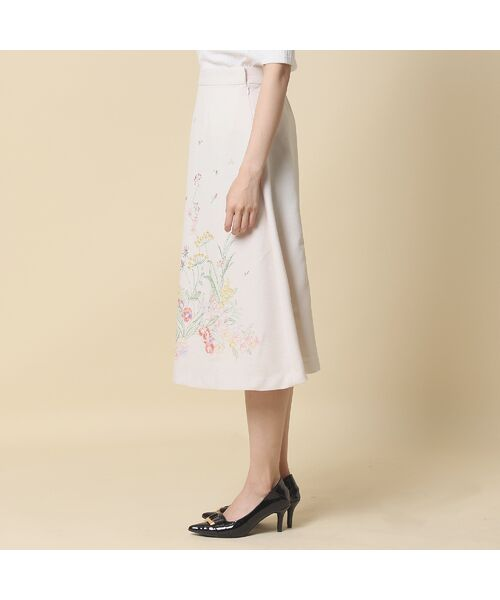 Rose Tiara / ローズティアラ ミニ・ひざ丈スカート | 線刺繍フレアスカート | 詳細2