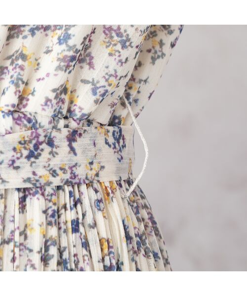 Rose Tiara / ローズティアラ ミニ丈・ひざ丈ワンピース   シフォンフラワープリーツワンピース   詳細6