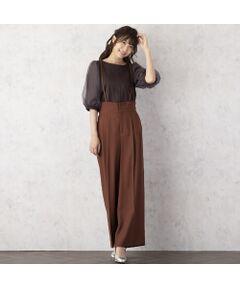 <font color='#e73656'><b>◆ゆったりとしたシルエットが大人可愛いサスペンダー付きワイドパンツ</b></font><br><font color='#00a676'>【 手洗いOK 】</font><br>【 Made in Japan Fabric 】<br><br><b>[ Design & Styling ]</b><br>リネン本来の色の美しさを再現した生地は、リネンと素材とは違いしわになりにくく、ハンドウォッシュもOK。<br>手軽に着られ、スラブ形状がリネン本来の陰影のある表情を楽しめるアイテムです。<br>大人女性でも子供っぽくならずに着られる上品な見え感で、トレンドのサスペンダーパンツも上品カジュアルに。<br>ストレッチ性があるのでリラックスしたはきごこちです。<br>フロントファスナー開き。両サイドにポケット付き。<br>肩紐は取り外し・調整可。<br>センタープレスあり。<br>今年らしい、グリーン、ブラウン、ブラックのカラーリング魅力。<br><br><font color='#00a676'>コーディネートアイテム</font><br>カットソー/ 51125001<br><br><b>[ About Item ]</b><br>生地感: 普通<br>伸縮性: なし<br>透け感: なし<br>裏 地: 裏なし<br>洗 濯: 水洗い可<br>※末永くご愛用いただくため、付属の洗濯表示・アテンションタグをよくご覧いただきますようお願いします。<br><br><br><b>[ 商品の仕様について ]</b><br>こちらのアイテムは38・40号と42・46号で仕様を変更しております。<br>※38/ 後ろウエスト中心のみゴム<br>※42・46/ 後ろALLゴム<br>サイズにより仕様を変更することでシルエットの美しさを考慮し、着心地のいいデザインとなっております。<br><br>※モデル身長: 166cm/ 38号着用<br><br><font color='#e73656'><b>[ Rose Tiara Brand Concept ]</b></font><br>フェミニンな愛らしさと 大人のエレガンスを一度にまとう服 <br>「可愛い」をずっと手放さない あなたのためのブランドです<br><br>素材選びからデザイン、パターンまで一貫して行い、タックの向きやギャザー分量、フリル位置などサイズに合わせて調整することで美しいシルエットと着心地の良い服を提案します<br><br>*撮影環境により光の当たり具合で色味が違って見える場合があります。<br>*商品画像はサンプルのため、色味やサイズ、プリント位置、仕様などに変更がある場合があります。<br>*取扱い表示をご確認の上、着用をお願いします。<BR>