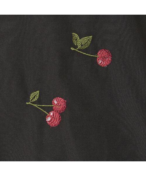 Rose Tiara / ローズティアラ シャツ・ブラウス | パワーショルダーチェリー刺繍ブラウス | 詳細15