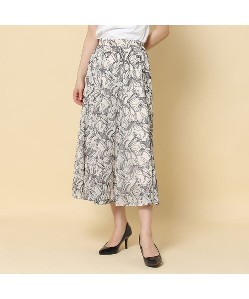 Rose Tiara / ローズティアラ ミニ・ひざ丈スカート   リリー刺繍フレアスカート   詳細2