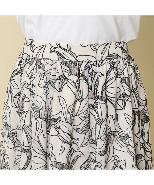 Rose Tiara / ローズティアラ ミニ・ひざ丈スカート   リリー刺繍フレアスカート   詳細5