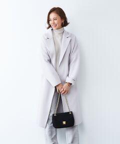 世界的に有名な上質な紡毛ウールコート地の産地である、イタリアの老舗メーカー「Bellandi」社の素材を使用したコート。<br>Super100クラスの上質な原料を使用したスペシャルなアイテムです。<br>ニュアンスのあるラベンダーカラーが上品で女性らしい印象。<br>長すぎないロング丈なので、様々なシーンで使いやすいアイテム。<br>軽いのに暖かみがあり冬まで着ていただけます。<br>上質な素材を使用していながらも、お得感のあるプライスも魅力です!<br><br>ライトグレー モデル:H165 B80 W59 H85 着用サイズ:F<br><BR>