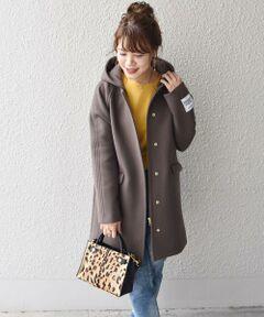 """カジュアルにもきれいめにも着まわせるフード付きのコート。<br>合わせやすい丈感で、ボトムを選ばずに着ていただける一枚。フードを取り外すとシンプルなノーカラーのコートになるので、気分によって楽しめます。<br><br>◆オーストラリアが誇る上質な""""HAMILTON LAMBSWOOL"""" 評価の高い羊毛の中でも、オーストラリアはヴィクトリア州のハミルトン地域で取れる18マイクロンのジーロンラムウールのみ名称が与えられる、 """"HAMILTON LAMBSWOOL""""(ハミルトン ラムズウール)を使用。 小高い台地にあるハミルトン地域には霧がよく発生し栄養価の高い牧草が育つため、 同地の羊毛は白度が高く、また長い毛足とヌメリ感、柔らかさや軽量感にも優れているのが特徴になります。<br><br><br>※袖のブランドタグは外す事が出来ます。<br><br>※末永く愛用頂く為に、アテンションタグ・洗濯ネームを必ずご確認の上、着用又はお取り扱い下さい。<br><br><br><font color=RED>※画像の商品はサンプルです。 </b></font><br>実際の商品と仕様、加工、サイズが若干異なる場合がございます。<br><br>※サンプルにて撮影しておりますため、実際の商品と仕様、加工、サイズが若干異なる場合がございます。"""