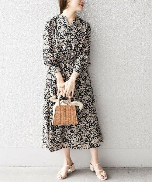 SHIPS for women / シップスウィメン ミニ丈・ひざ丈ワンピース | フラワープリントロングスリーブVネックワンピース◇(ブラック)