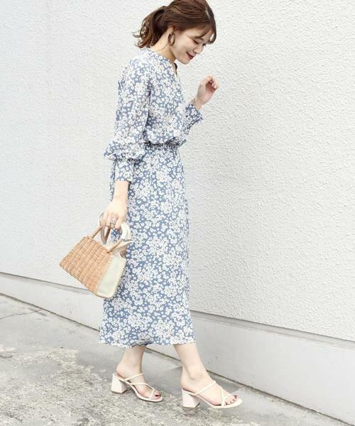 SHIPS for women / シップスウィメン ミニ丈・ひざ丈ワンピース | フラワープリントロングスリーブVネックワンピース◇(ライトブルー)
