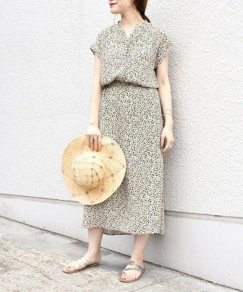SHIPS for women / シップスウィメン ロング・マキシ丈ワンピース | フラワープリントショートスリーブワンピース◇(オフホワイト)