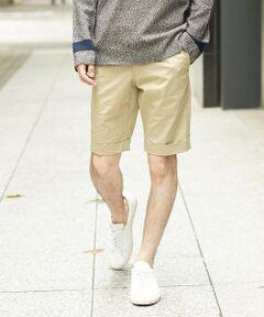 トラッド感のある膝上丈のショートパンツ。<br>スイス〈Spoerry 1866〉社のアイスコットンは天然素材ながら接触冷感機能があり、着用した際のひんやり感が特徴。<br>天然素材のリッチな質感を楽しみつつ、蒸し暑い日本の真夏も快適に過ごせます。<br>シワになりにくく、ご家庭での洗濯も可能なイージーケア性も嬉しいポイントです。<br>MADE IN JAPAN<br><br>同モデルでピンクなどシーズナルカラー(品番:63129212301)の展開もございます。<br><br>■素材<br>〈Spoerry 1866〉社が長年の経験を活かして開発した機能性素材『アイスコットン』を使用。<br>薬剤ではなく特殊紡績技術により天然素材ながら接触冷感機能をプラスされており、天然素材ならではの質感と機能性を両立しています。<br>生地の凹凸とい熱伝導性による接触冷感機能は科学的にも証明されており、クールビズの最適素材として人気を博しています。<br>糸の特性による防シワ機能もポイントです。<br><br>■デザイン<br>春夏定番の膝上丈のショートパンツ。<br>スリムシルエットながら、伸縮性の高い生地で快適な着用感を確保。<br>ほど良くトラッド感のあるディテールは、幅広い年齢層にフィットします。<br>カットソーにスニーカーやサンダルなどを合わせたカジュアルスタイルはもちろん、ジャケットとレザーシューズを合わせた夏のきれいめスタイルにもおすすめです。<br><br>【ご注意】<br>※店頭や屋外での撮影画像は、光の加減で色味が違って見える場合がございます。 <br>商品の色味は、スタジオ撮影の画像をご参照ください。<br><br>2018SS商品<br><br><b>店舗にお問い合わせの際は、下記の品番をお申し付けください。<br>品番:63128212301</b>