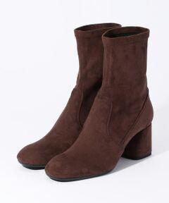 履き心地の良さとデザイン性で定評のあるイタリアのシューズブランド〈FABIO RUSCONI(ファビオルスコーニ)〉。<br>トレンドのストレッチブーツは、ぴったりフィットし足をすらりとみせてくれます。<br>ミディ丈やロング丈のスカートと合わせたスタイリングがおすすめです。<br><br>※サイズ※<br>36  23.0cm~23.5cm<br>37  23.5cm~24.0cm<br>38  24.0cm~24.5cm<br><br>国によってサイズ基準が異なり、デザインや素材、ブランドによっても差があります。<br>あくまでも標準的な目安としてご利用ください。<br><br>2018AW商品<br><br><b>店舗にお問い合わせの際は、下記の品番をお申し付けください。<br>品番:33018501066</b>