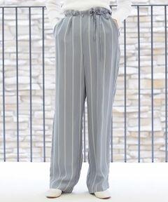 強撚のレーヨン糸を高密度で織り上げたドライなタッチとほど良いハリ感が魅力のパンツ。<br>絶妙な太さのセミワイドシルエットでリラックス感のある一着。<br>ミニマルな印象ながらベルトループのデザインやベルトの通し方など、細部にまでこだわって仕上げました。<br>シンプルなトップスと合わせるだけでコーディネートに抜け感をプラスしてくれる、大人のカジュアルスタイルにおすすめのアイテム。<br><br>2019SS商品<br><br><b>店舗にお問い合わせの際は、下記の品番をお申し付けください。<br>品番:23049104006</b>
