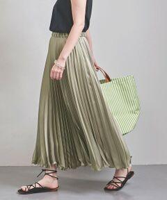 軽やかな動きを演出するロング丈のアコーディオンプリーツスカート。<br>上品な光沢感が引き立つサテン素材は女性らしい印象。<br>ウエストはゴム仕様で、着心地の良さもポイント。<br>ボリュームのあるトップスとのコーディネートもおすすめです。<br><br><font color=purple>店舗へお問い合わせの際は、全国のUNITED ARROWS各店舗まで下記の品名/品番をお申し付けください。<br>品名:UWCS P ACCORDION/PLT852  品番:15242704769</font>