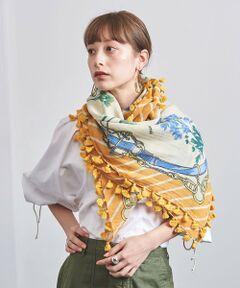 絵画のような美しいデザインが魅力のストール。<br>今シーズンは「旅」をテーマに描かれています。<br>女性らしい豊かな色彩は、何枚も揃えたくなる一品。<br>オフホワイトとネイビーは、ユナイテッドアローズの別注カラーです。<br><br><manipuri(マニプリ)><br>繊細なデザインのストールやスカーフを生産。パリをはじめヨーロッパで人気を集めています。<br>伝統的な手織りと最新機械の両方を駆使した手法で、革新的なパターンやデザイン、カラー、刺繍などを提案しているブランドです。<br><br><font color=purple>店舗へお問い合わせの際は、全国のUNITED ARROWS各店舗まで下記の品名/品番をお申し付けください。<br>品名:MANI PONPON 120*120 21SS  品番:17365993234</font><br><br>※画像の商品はサンプルです。<br>実際の商品と色味、仕様、加工、サイズ、素材等が若干異なる場合がございます。<br><br><br><br>