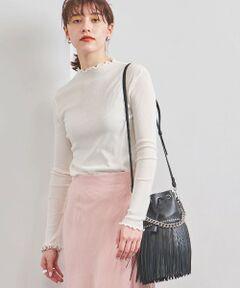 首元や袖口にほどこした柔らかく波打つメローディティールが特徴的なカットソー。<br>程よい透け感が女性らしい印象をプラスし、重ね着やインナー使いにもおすすめです。<br>上質な超長綿を強撚糸で編み上げたテレコ素材を使用し、サラリとした肌触りの良さもポイント。<br>首に沿うようなショートハイネックのデザインは、シーズン幅広く着用できます。<br><br>【生地感】<br>--------------------------<br>裏地:なし<br>透け感:あり<br>生地の伸び:適度にあり<br>光沢感:なし<br>-------------------------- <br>※ ご自宅でのお洗濯の際は、洗濯表示を必ずご確認ください<br><br><font color=purple>店舗へお問い合わせの際は、全国のUNITED ARROWS各店舗まで下記の品名/品番をお申し付けください。<br>品名:UWFM C RIB MELLOW LSL  品番:15126990491</font>